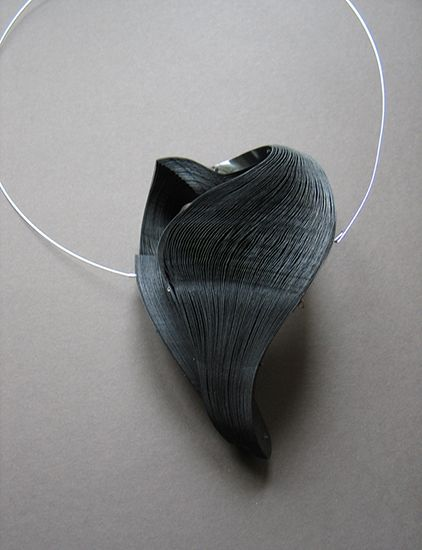 Janna Syvanoja, necklace. Recycled paper, steel wire.