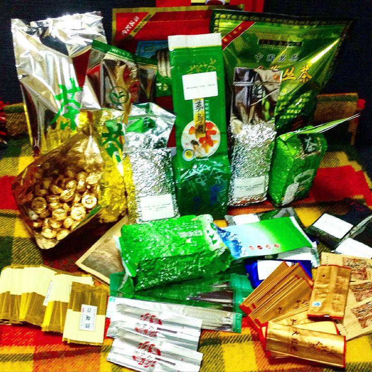 Наш чай: китайские и тайваньские улуны, китайские пуэры, белые, зеленые, красные чаи.