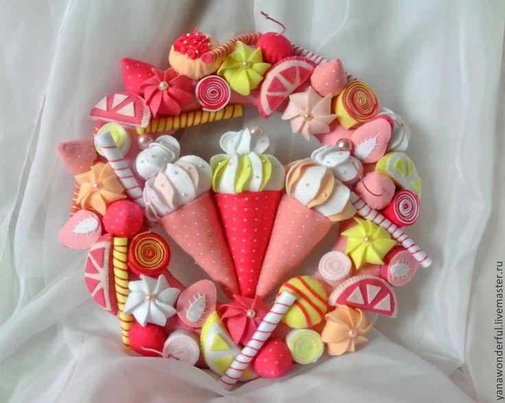 Купить Сладкий веночек - розовый, новогодний венок, венок из фетра, сладости из фетра, мороженое из фетра