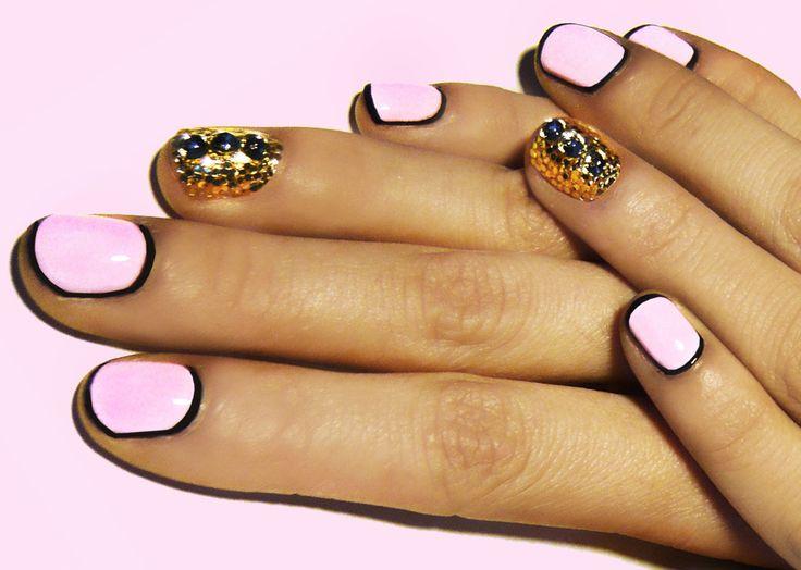 .: Nails Art Tutorials, Gold Nails, Fashion Ideas, Nails Design, Nailart, Pink Nails, Rings Fingers, Pastel Pink, Black Nails