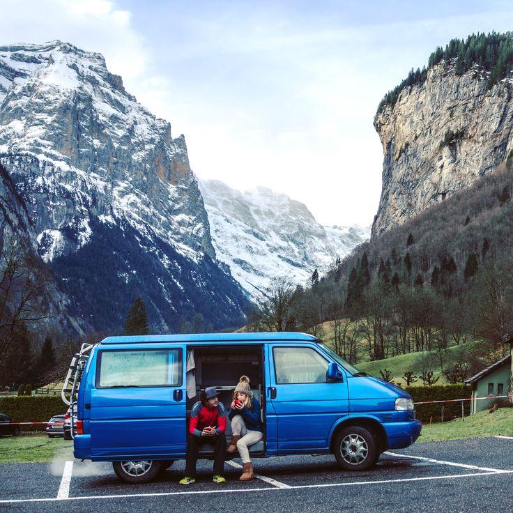 @enarasacha #bidaia #furgo #vwcalifornia #switzerland #lauterbrunnen #traveller #liveyourdreams #wanderlust #beautifullandscapes #mountain #snowboarding #trekk #suiza #instatravel #cute #picoftheday #vanlife #travellerwomen