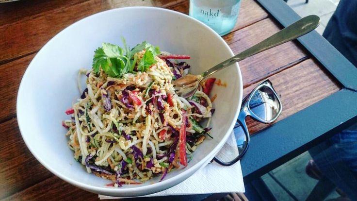 Сырой салат из цуккини-спагетти