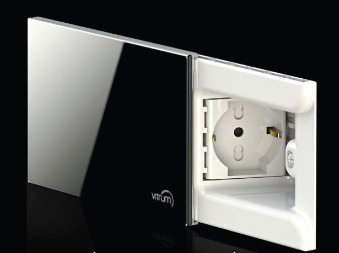 Concealed glass electrical outlet VITRUM PRESA by VITRUM by Think Simple