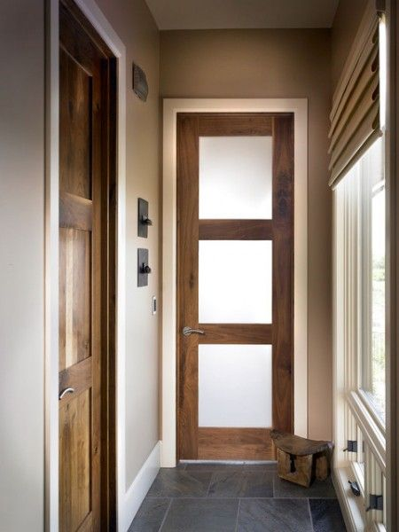 AW:Ardnith Rear hallway - glass doors leading into bedrooms - may help bring light into hallway but too modern and not in keeping with look and feel of the flat