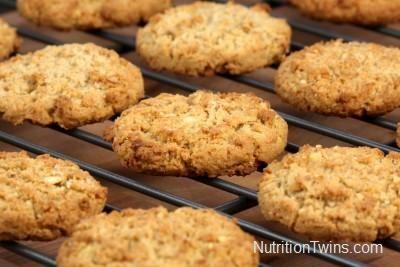 Skinny, Speedy Walnut Oatmeal Cookies