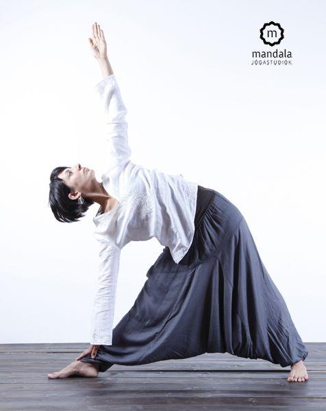 Nőijóga Szikszay Andi Mandala Jógastúdiók www.mandalajoga.hu