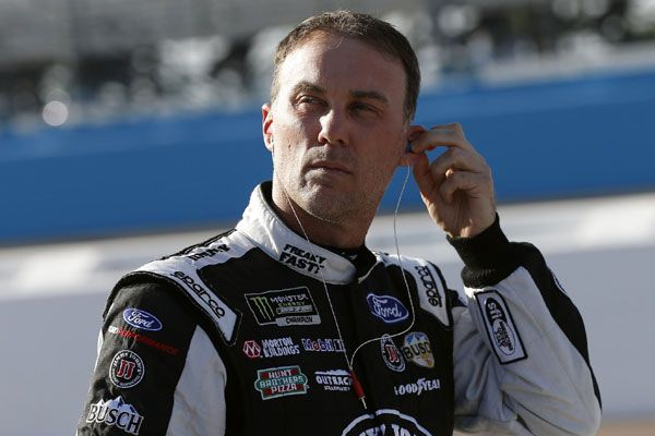 Kevin Harvick takes pole for the O'Reilly Auto Parts 500 at Texas Motor Speedway