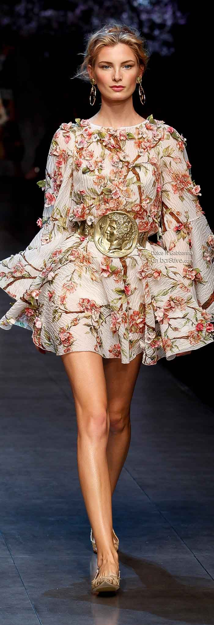 Dolce & Gabbana Spring 2014 Floral Inspiration - Feminine - Fun - Flirty - I adore this Summer dress look - (fashion style runway inspiration ) http://karinaporushkevich.com