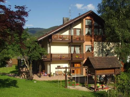Ferienhof Bohnert Seebach Ferienhof Bohnert offers pet-friendly accommodation in Seebach. Mummelsee is 3.1 km from the property. Free private parking is available on site.  Guests can enjoy various activities in the surroundings, including cycling and hiking.