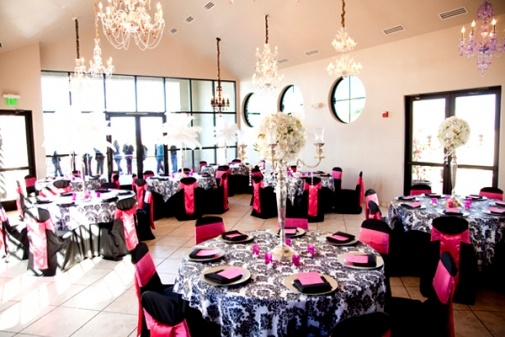 Enjoy beautiful scenery and decor with your #bridesmaids at Dolce Salon and Spa in Arrowhead. The perfect place in #Arizona for a fashionable and sassy #bridal #shower can be found here: http://www.eventspark.com/p/dolce-salon-and-spa-arrowhead-peoria-arizona-85382/51b8d931e4b0d5c962c19332