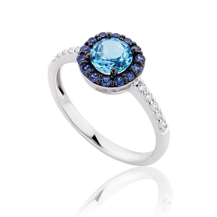 Δαχτυλίδι Diamonds Collection από λευκόχρυσο με διαμάντια 0.15ct, μπλε τοπάζι και ζαφείρια - See more at…