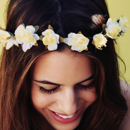 Utiliza una corona de flores | Fashion Love Venezuela