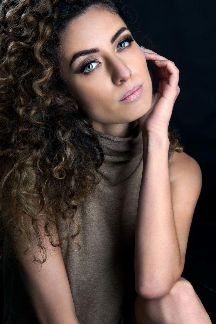 Model: Maria Ronzhina HMUA: Cynthia Smith Photographer: Ksenia Belova #makeup #hairstyle #curlyhair #blueeyes #portrait #model #beauty