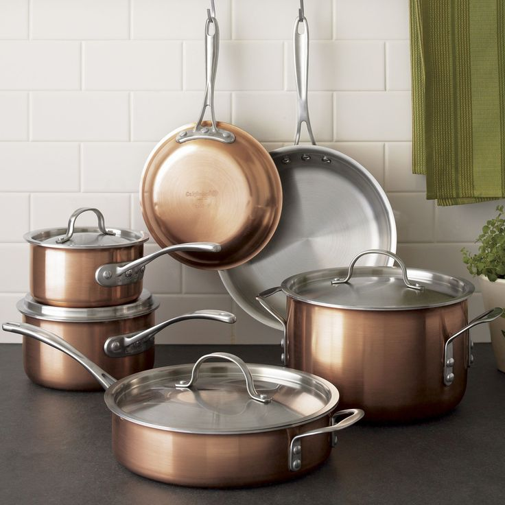 Classic copper cookware, a centuries-old culinary tradition, is fashionably updated by Calphalon. Tri-ply construction combines a lustrous brushed copper exterior with satin 18/10 stainless interiors and lids.