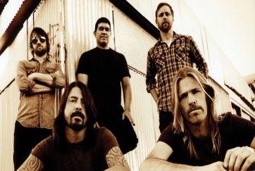 Ένα από τα μεγαλύτερα ροκ συγκροτήματα, οι Foo Fighters θα κυκλοφορήσουν το νέο τους άλμπουμ τον ερχόμενο Νοέμβριο, το οποίο ακόμα μένει… αβάφτιστο. Τ...