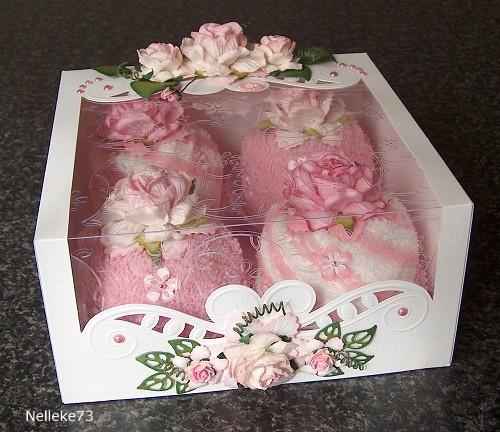 Voorbeeldkaart - 2012-054d Cupcakes, een doos vol! - Categorie: Kado verpakking - Hobbyjournaal uw hobby website