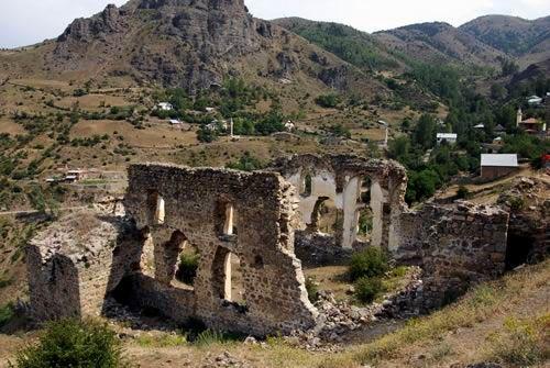 Gümüşhane tarihi yapılar Rum kiliseleri