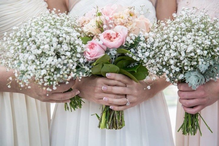 Pink Roses and white Gypsolphia from Eumundi Roses