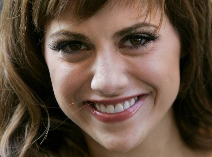 I miss Brittany Murphy. Those eyes...