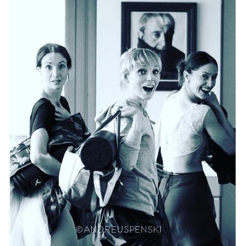 Lauren Cuthbertson, Sarah Lamb, and Marianela Nunez looking adorable  photo by Andrej Uspenski