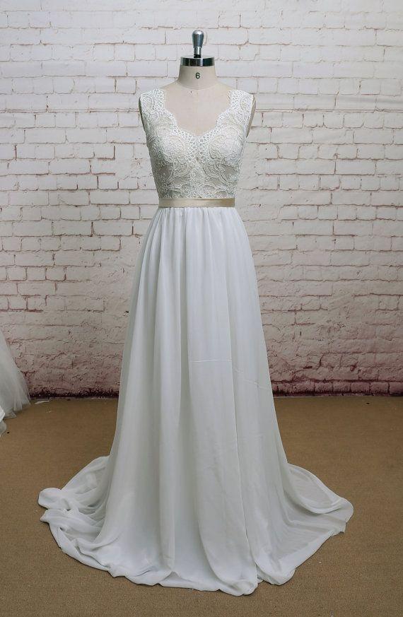 V-Rücken-Hochzeitskleid mit Chiffon Rock a-Linie Stil Brautkleid ärmelloses Brautkleid mit Champagner Auskleidung der Mieder  1. wie immer Custom Made(your own size, your preferred color). 2.ich sorgfältig wählen Sie hochwertige Perlen, Perlen, Stoffe und Themen jedes Kleid zu erstellen. 3. für diesen Stil brauche ich:  Farbe: ___ (Elfenbein als Bilder) Höhe: ___ Büste: ___ Taille: ___ Hüfte: ___ Hohlen Boden: ___  4. mein Versprechen: alle meine Kleider so niedrigen Preisen verkauft sind…