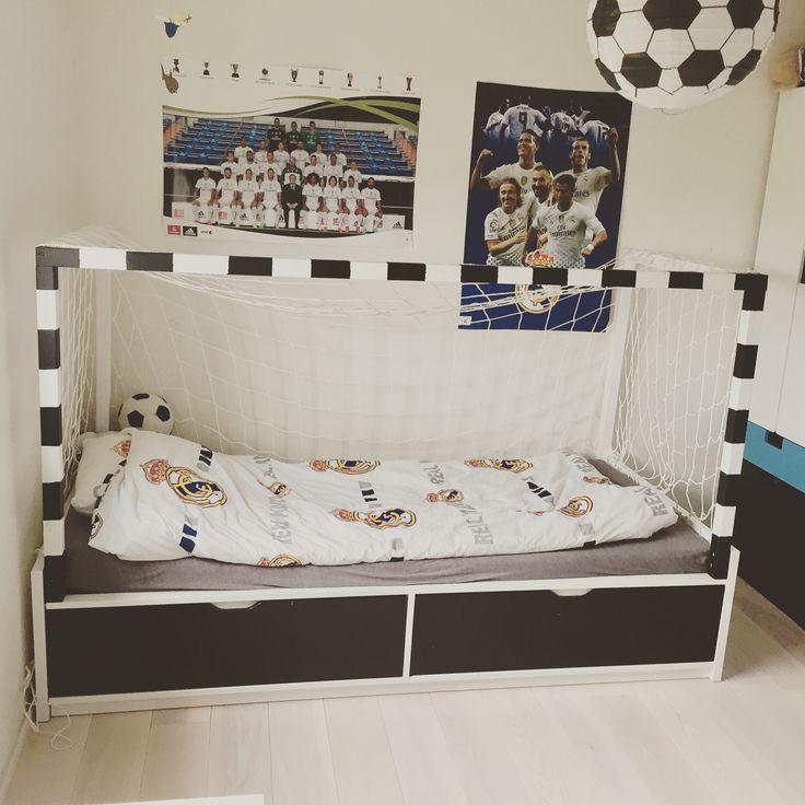 Ikeahack: soccergoal-bed.