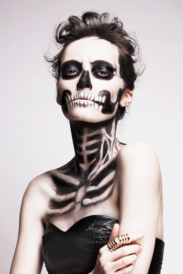 Extreme Halloween makeup ideas: Statuesque Skeleton.