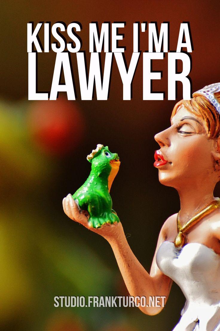 #BuonInizioSettimana Ti rubo un bacio... la mia promessa? Ti difenderò sempre!   #avvocato #legalquotes #legalmarketing #studiolegale #frankturcostudio