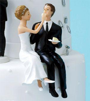 Perfect Bride U0026 Groom Cake Topper Sitting Pretty For A Fun Twist, The U201cCouple Eating
