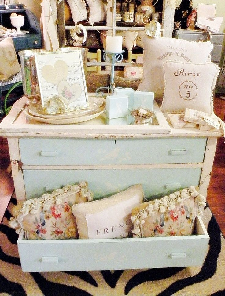 Perfect example of creating a vibe with your craft fair display. All items displayed have a similar color and theme.