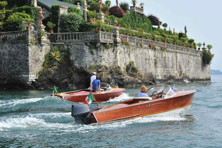 Raduno Motonautico Internazionale per festeggiare i 30 anni dell' Associazione Scafi d'Epoca e Classici. L'ASDEC arriva sul lago d'Orta e sul Maggiorehttp://ilvergante.com/associazione-scafi-depoca-e-classici-festeggia-30-anni-sul-lago-maggiore/