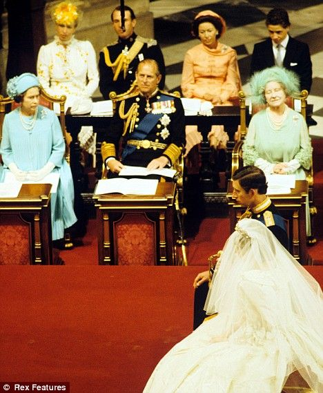 Princess anne recycles dress she first wore 27 years ago for Princess anne wedding dress