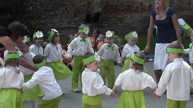 """""""Rosną sobie kwiatki na łące"""" 12.06.2012"""