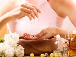 Beauty-Tipp Handbad: Wir zeigen Ihnen, was Ihre Hände zart und geschmeidig macht! | Wellnessium.de