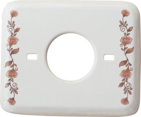 Vasta gamma di placche portafrutto in ceramica decorata