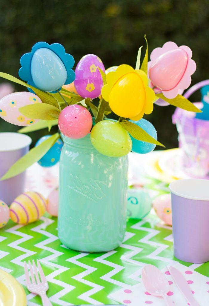 osterdeko garten festliche tischdeko plastikeier farbige tischdecke