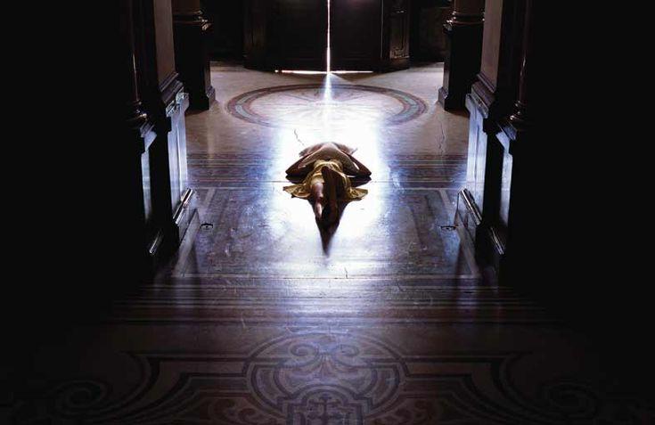 Suicide in a Museum