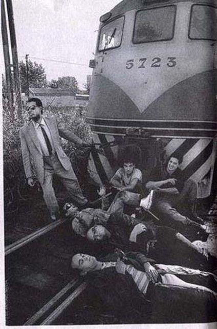 Banda argentina de rock formada en el año 1981 en la ciudad de Hurlingham. Uno de los grupos más influyentes del rock argentino, de la talla de bandas como Los Abuelos de la Nada, Soda Stereo, Sui Generis, Serú Girán, Almendra, Pescado Rabioso, Virus, Manal, Patricio Rey y sus Redonditos de Ricota o Los Fabulosos Cadillac.