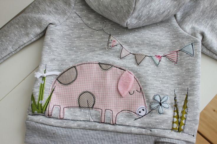 Pullover & Sweatshirts - Tupfen-Kapuzensweatjacke♥PaULa♥PiG♥extra kuschelig - ein Designerstück von milla-louise bei DaWanda