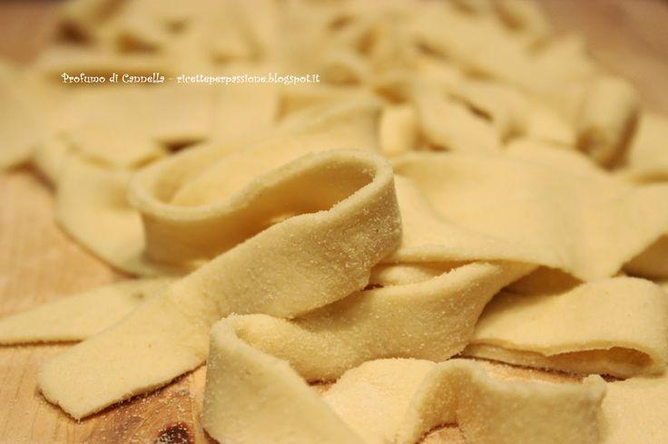 Profumo di cannella: Le lagane - tagliatelle acqua e farina tipiche del...