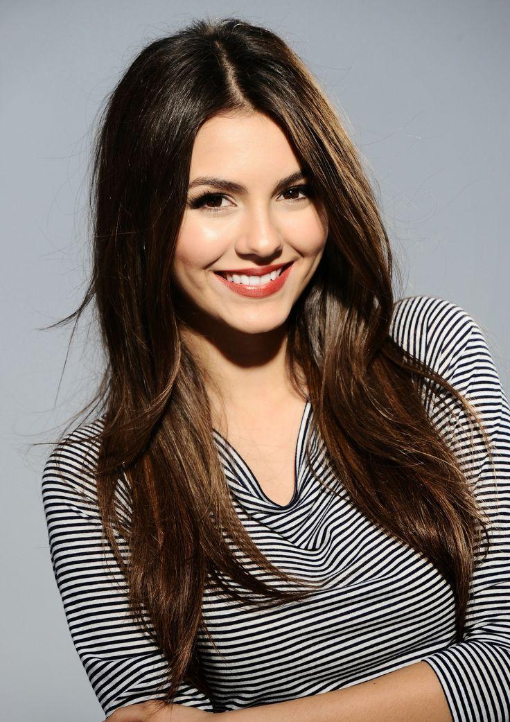 83 Best Dark Hair Blue Eyes Images On Pinterest Face