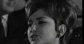 Μανταλένα . Η αλλιώς Μπότση Κατερίνα ψευδώνυμο της αξέχαστης λαϊκής  τραγουδίστριας. Σε ηλικία 16 ετών την ακούει τυχαία σε ένα μαγαζ...