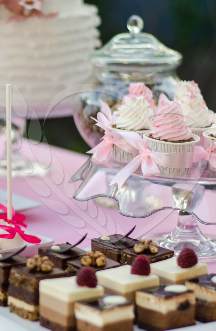#chocolates #BunBun #tartelettes #senneville #tasty #cakes #sweets #coolthings #goodfood #sweetfood #candybar #wedding #mousse #cupcakes #cream #weddingthemes #love #babyshower