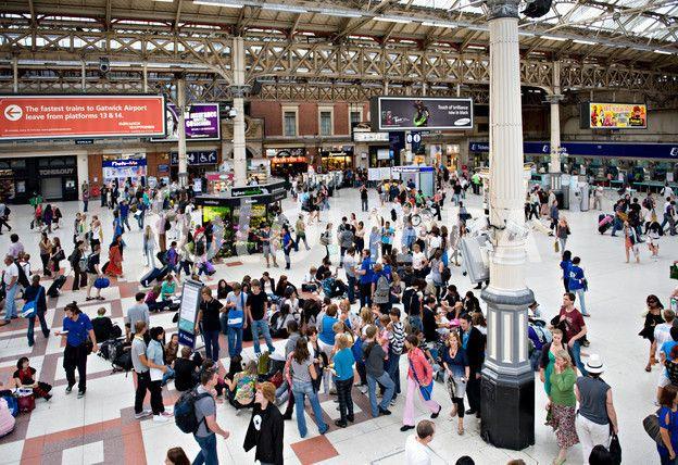 vict Victoria Railway Station, London, UK.