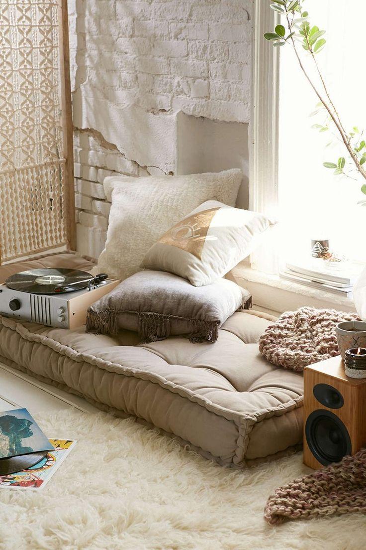 déco bohème chambre lit cadre tapis sol déco