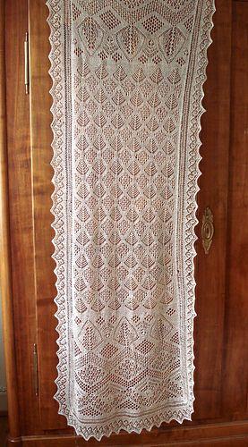1910 Shetland shawl // Heirloom knitting