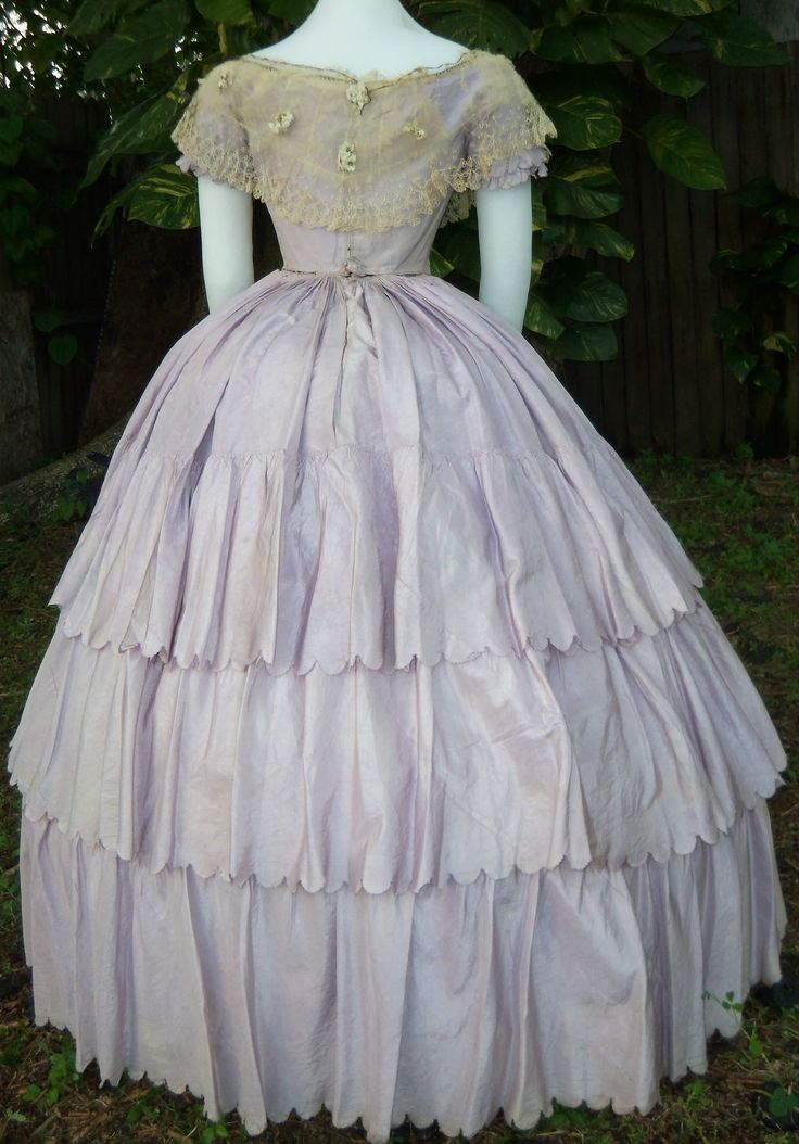 193 best Ballgowns 1840s - 1860s images on Pinterest | Historical ...