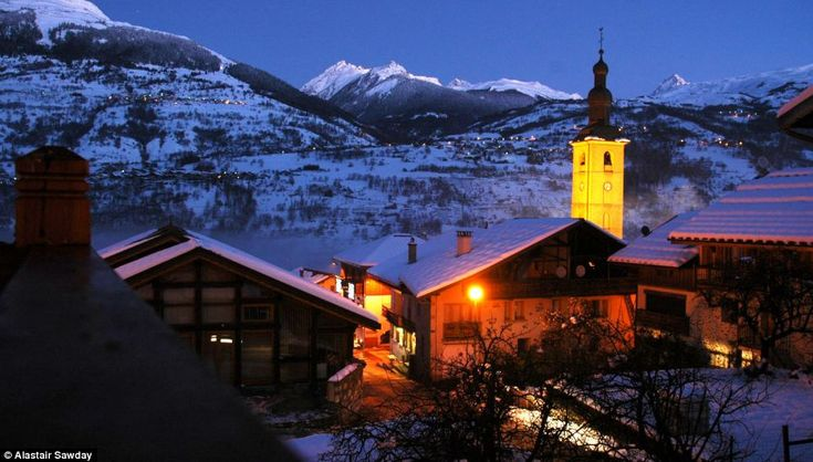 Maison Lennox, in Macot la Plagne, Savoie, is based a ten-minute drive away from the nearest lifts leading up on to the slopes #france #snow