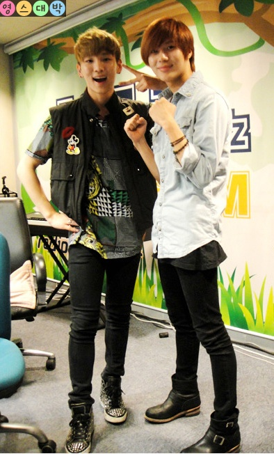#shinee Key and Taemin. Can anyone guess their ages?~