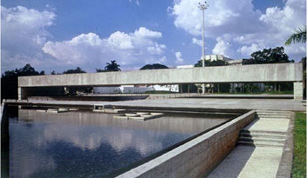 Resultado de imagem para Exposição em homenagem ao arquiteto Paulo Mendes da Rocha estreia no MuBE